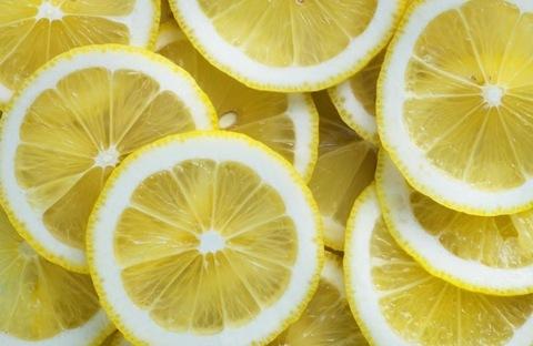 th_close-up-of-many-lemon-slices.jpg